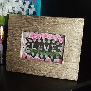 Pretty Gold Textured Photo Frame like New